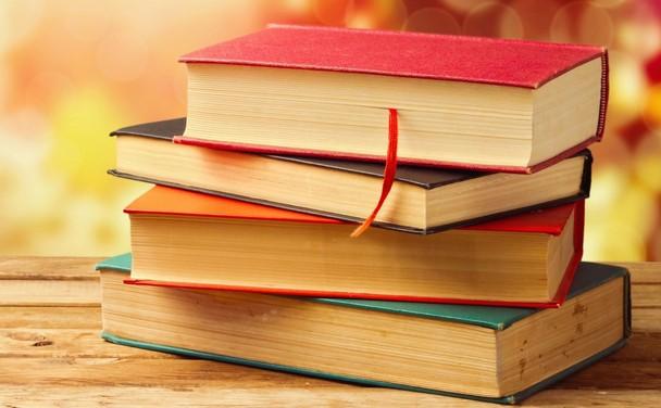 Könyveknek