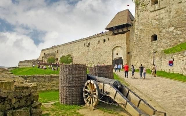 Dobó István volt a parancsnoka ennek a várnak. Hol található?