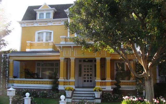 A Született feleségek című sorozatban, kinek a háza ez?