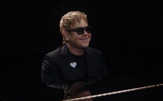 Elton John - Születési név: Reginald Kenneth Dwight, született 1947. március 25.  Anglia, London