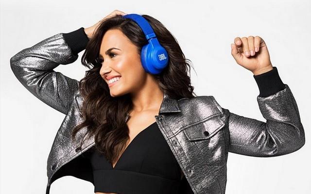 Demi Lovato - Születési név: Demetria Devonne Lovato, született: 1992. augusztus 20, Albuquerque, Új-Mexikó