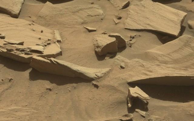 Kanalat talált a Marson a Curiosity marsjáró