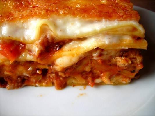 Bolognai lasagne - melyik összetevő nem kell bele?