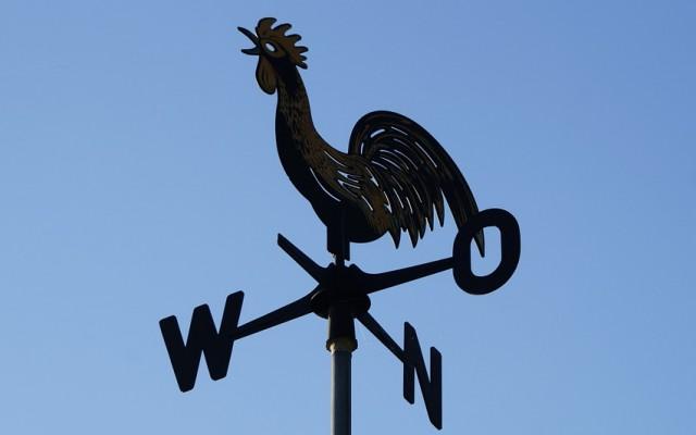 Keleti vagy nyugati irányba tekintsen inkább az ország?