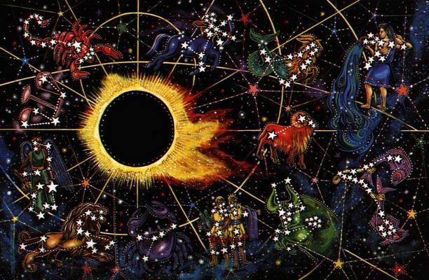 Ezt a csillagjegyet a legcsaládcentrikusabb jegyként tartják számon. Nagyon kötődik a múlthoz, a gyermekkorához, az otthonához, gyakran vágyódik régi élete után.