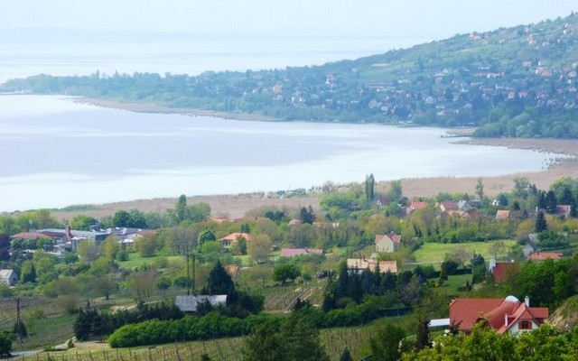 Balatonszepezd: A Balaton északi vagy a déli partján van?