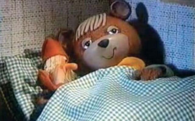 Ki ne emlékezne a Tévémacira. Hogy hívják a Tévémaci babáját?