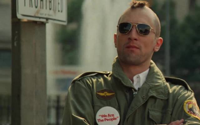 Ki rendezte a Taxisofőr című filmet?
