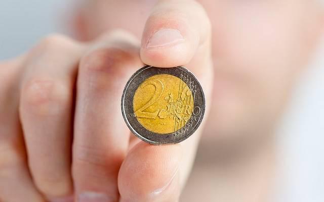 Melyik országban fizettek pesetával az euró bevezetése előtt?