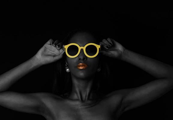 Trendi most a színes női napszemüveg?