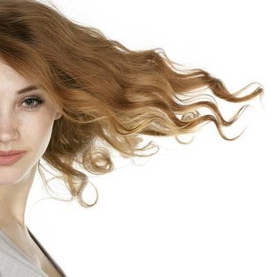 Általánosságban melyik szín illik legkevésbé a vörös hajszínhez?