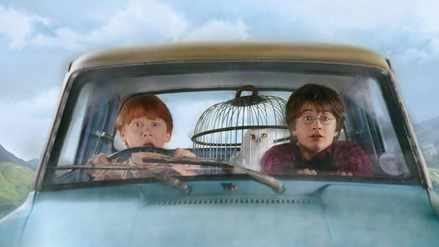 Tragikus időszak volt Rowling számára az az év, amikor Harry Potter megszületett. Tudod, miért? (Az író nem titkolja, hogy akkori gyászából sokat beleírt Harry Potter történetébe.)