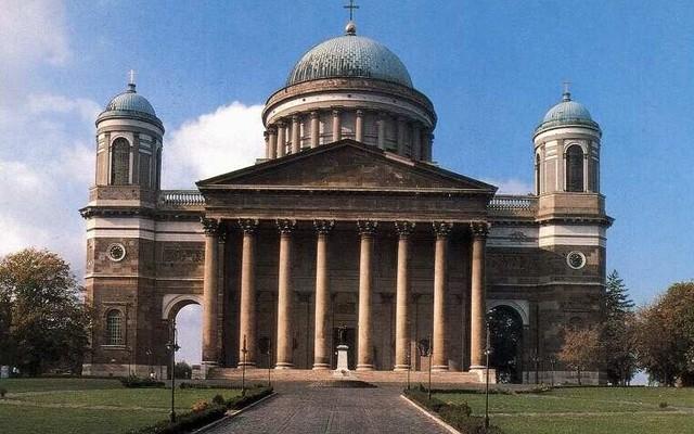 Magyarország híres templomai, bazilikái - az összeset felismered?