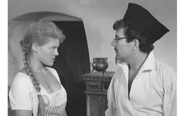 Mi volt a Magyar Televíziózás első és az egyik legsikeresebb fekete-fehér televíziós sorozata? (Segítségként, a főszerepet: Zenthe Ferenc játszotta)