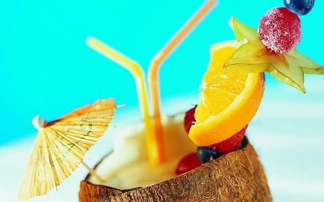Az alábbi összetevőkből milyen koktélt lehet shakerben összerázni: Fehér rum, kókusz szirup, tejszín, ananászlé?