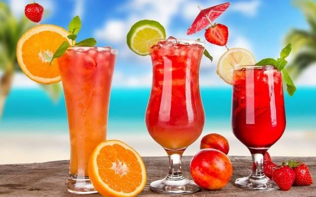 Az alábbi összetevők melyik koktél alapanyaga: vodka, paradicsomlé, citromlé, Worcestershire-szósz, Tabasco-szósz, zellersó, bors ízlés szerinti mennyiségben.