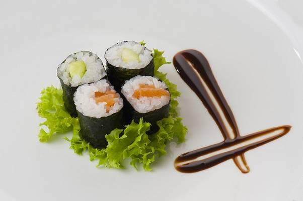Melyik ország jellegzetes étele a szusi?