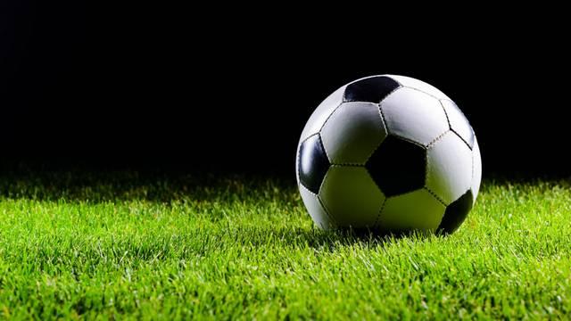Melyik csapatban focizik Egerszegi Tamás?
