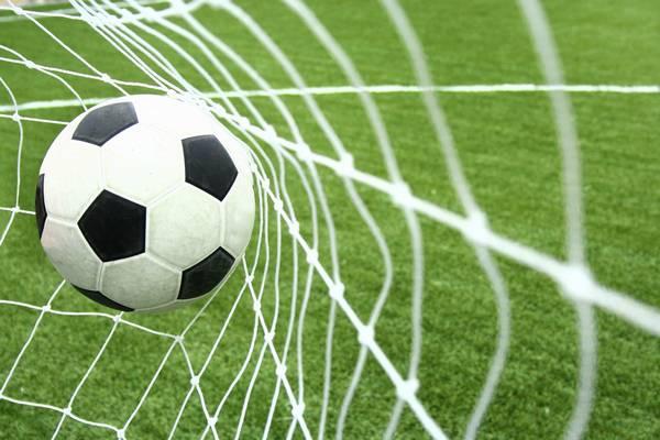 Melyik csapatban focizik Makrai Gábor?