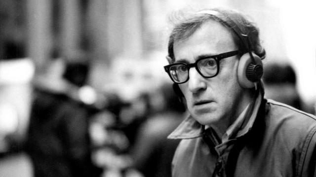 Hangja nélkül el sem tudnánk képzelni Woody Allen filmjeit. De ő Richard Gere magyar hangja a Micsoda nő! - című filmben. Ki ő?