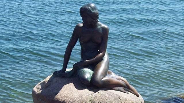 Koppenhága híres szobra ez. Mi a címe?