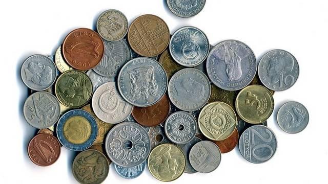 Az EU-s csatlakozás előtt, melyik országban lehetett pesetával fizetni?