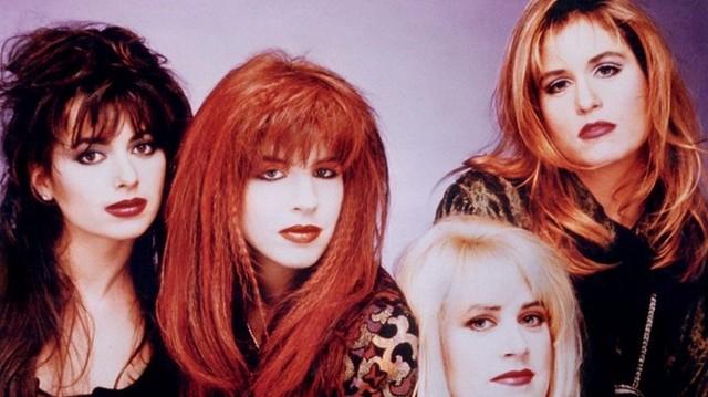 Melyik kizárólag lányokból álló amerikai pop-rock együttest látod  a képen?