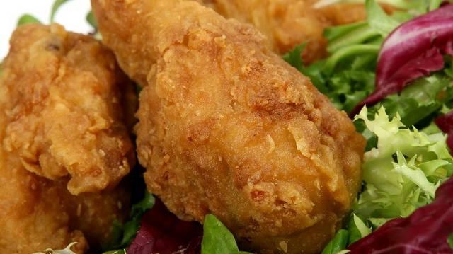 Ha azt látod, az étlapon, hogy Cordon Bleu? Milyen ételt jelent ez a fantázianév?