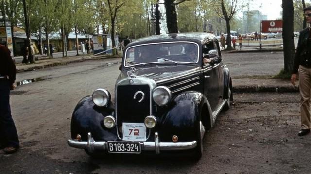 Milyen autó ez?  (1982-es fotó: Fortepan Balázs Lajos)