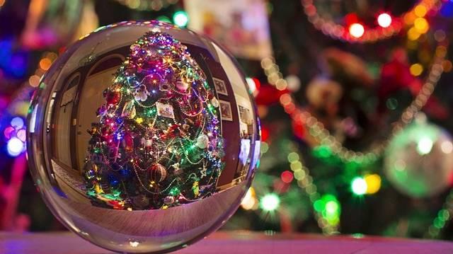 Kik vittek ajándékot a kis Jézusnak?