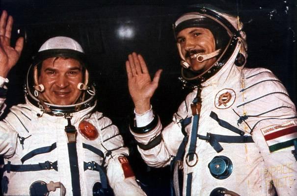 Utazást tett a világűrben az első magyar űrhajós, Farkas Bertalan