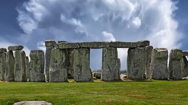 Melyik országban van a Stonehenge?