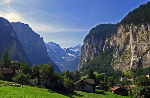 Melyik kontinensen található az Alpok?