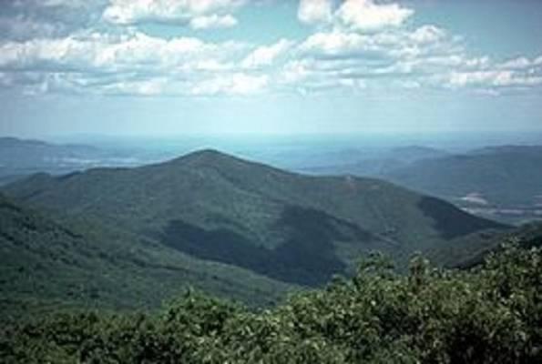 Hol húzódik az Appalache-hegység?