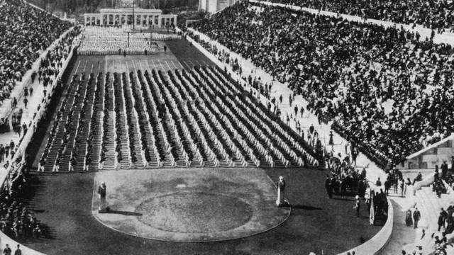 Az ókori olimpiák után sokáig nem rendeztek olimpiát. Mikor rendezték meg az első újkori olimpiát?