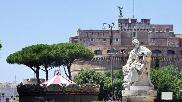 Hol találhatóak ezek a nevezetességek: Pantheon, Piazza Navona, Angyalvár?