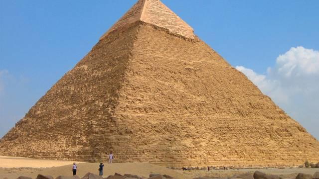 """Hány évig uralkodott az egyiptomi """"Nagy Piramis"""" építtetője, Khufu (Keopsz) Fáraó?"""