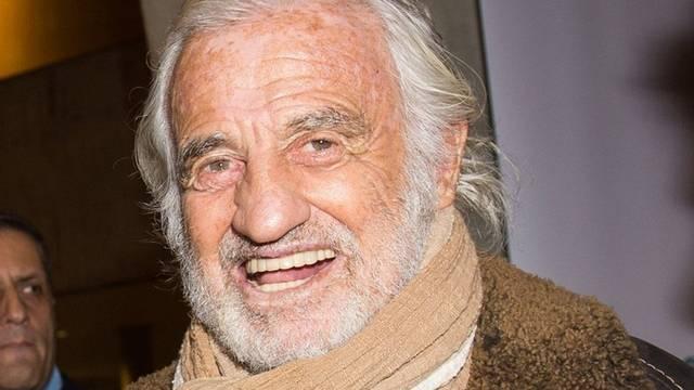 Jean-Paul Belmondo, 84 éves  (1933. április 9), míg Alain Delon 82 éves  (1935. november 8)