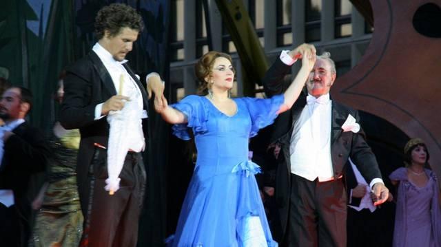 Közülük ki nevezetes operettjeiről?