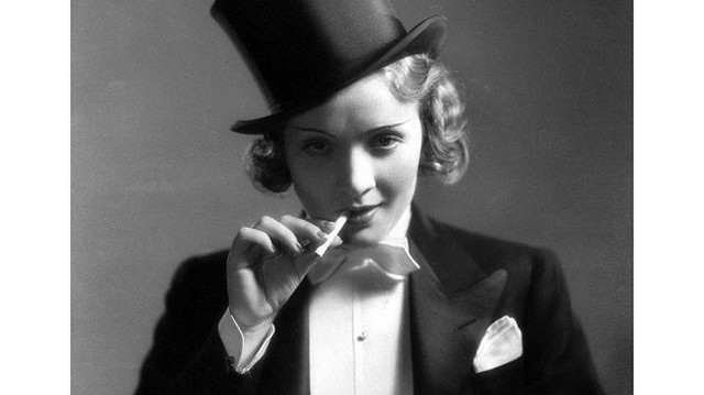 Mi a címe Marlene Dietrich színésznő első, híres filmjének?