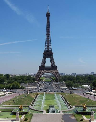 Hol akarták először megépíteni az Eiffel-tornyot?