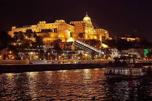 Melyik királyunkat tartják Budavár megalapítójának?