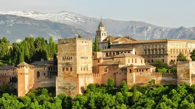 Melyik országban található: Valencia, Granada, Sevilla?