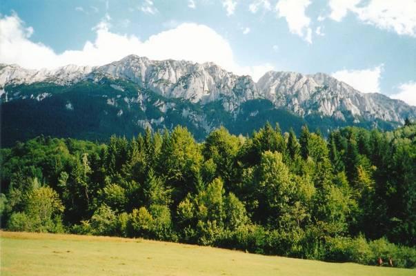 Milyen hosszú kilométerben a Kárpátok hegyvonulata?