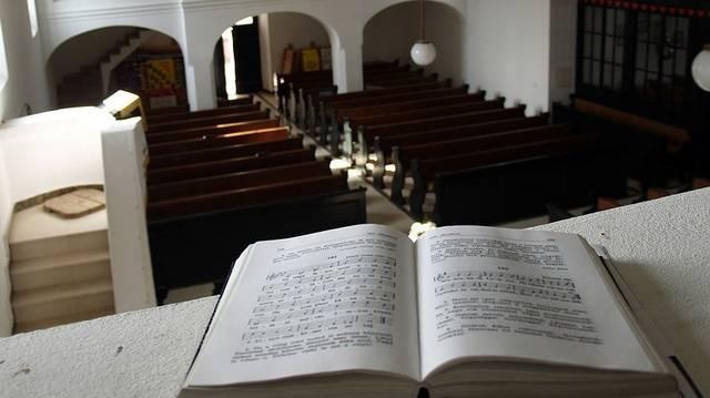 """Május 2-a a papi hivatások világnapja. Hogy hívják a """"papot"""" a reformátusok?"""