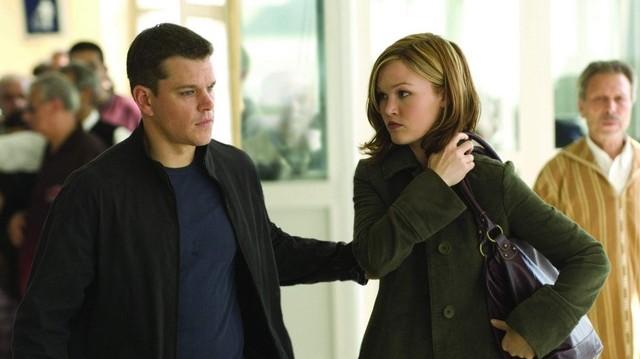 Melyik filmből van ez a képkocka? A filmből a képen Matt Damon és Julia Stiles.