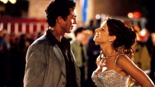 Melyik filmből van ez a képrészlet? Segítségként a két főszereplő: Sandra Bullock és Benjamin Bratt