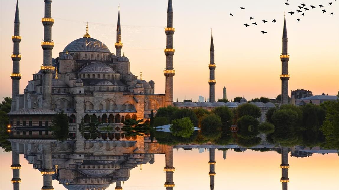 Bizánc és Konstantinápoly Isztambul régebbi elnevezése.