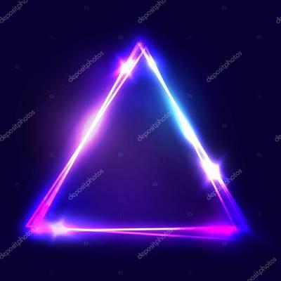 Mennyi a háromszög belső szögeinek összege?