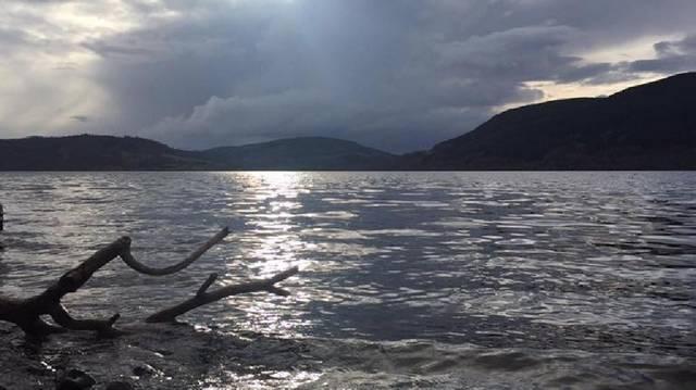 A Loch-Nessi tó melyik országban található?